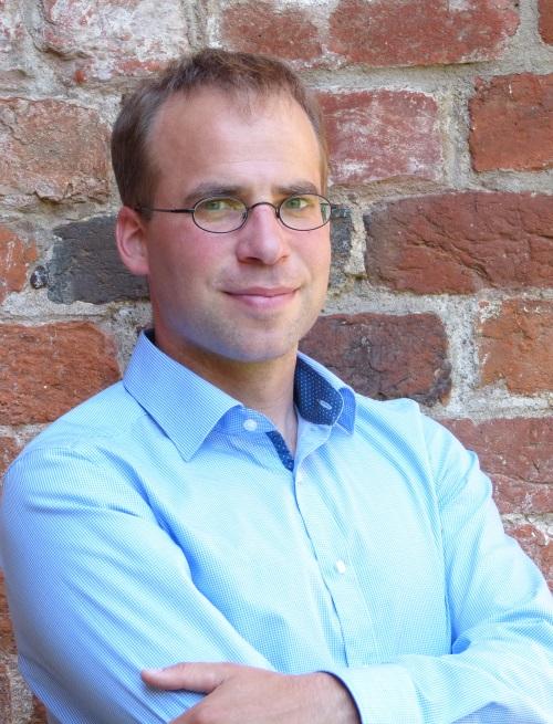 Dr. Fabian Czerwinski :